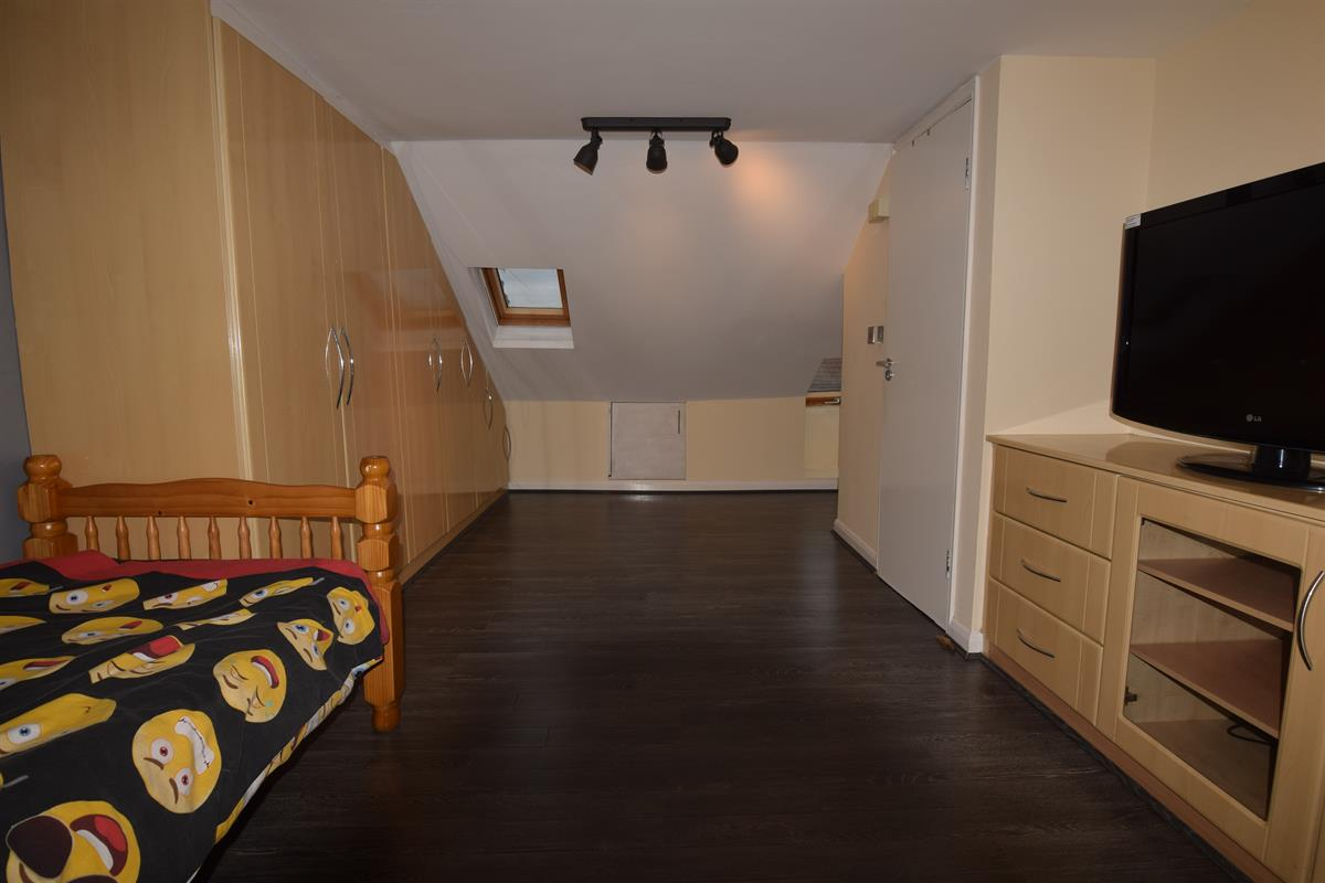 Loft Room - Morris Avenue, London
